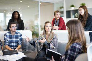 Conoce como mejorar la comunicación en tu oficina con estas 7 estrategias de comunicación interna
